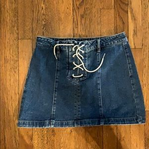 Kendal & Kylie Laced up jean skirt